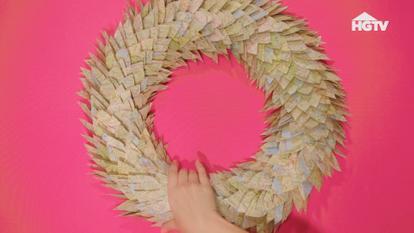 267271 - DIY Atlas Wreath - HGTV
