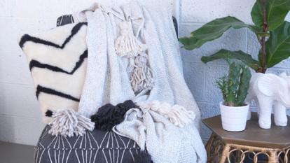 261900 - HGTV DIY Tassel Blanket - 261924